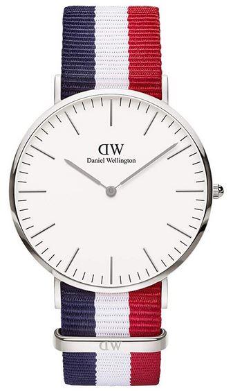 Montre Daniel Wellington pour homme modele classic cambrige avec bracelet synthetique bleu blanc rouge