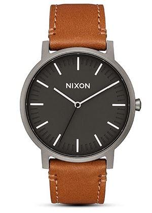Montre Nixon pour homme avec bracelet en cuir marron et cadran noir