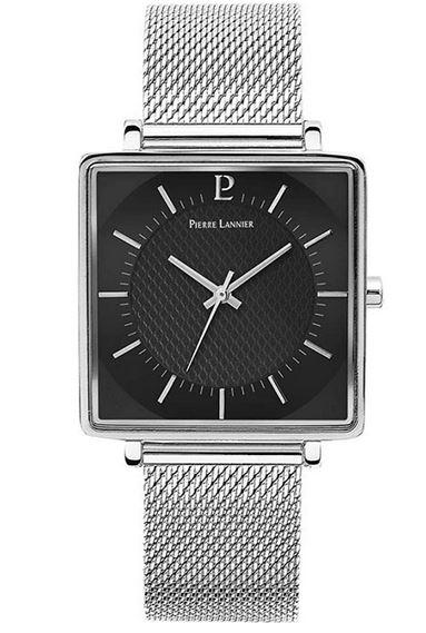 montre carre homme de Pierre Lannier avec bracelet en mailles argentees fines et cadran noir