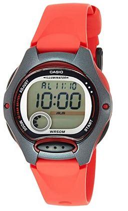 montre digitale Casio pour enfant avec cadran rond et un bracelet en plastique rouge pale
