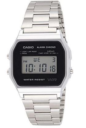 montre digitale unisexe Casio avec ecran rectangulaire et bracelet en acier argentee