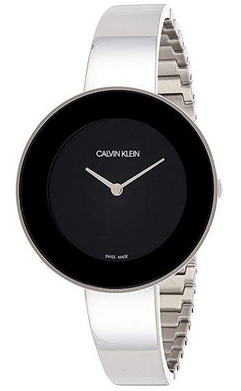 montre femme Calvin Klein grand cadran noir et bracelet tres fin en acier couleur argent