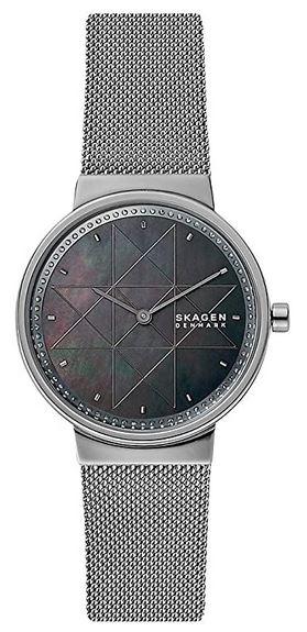 montre femme bracelet couleur argent et cadran avec symbole en etoile de la marque Skagen
