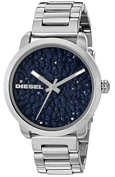 montre femme marque Diesel en acier inoxydable couleur argent avec cadran bleu