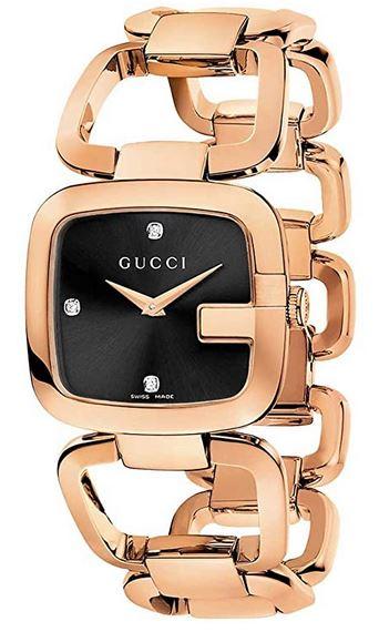 montre pour femme avec bracelet imposant rose gold et cadran noir de la marque italienne Gucci