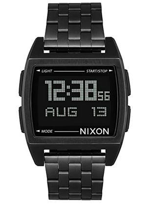 montre rectangulaire noire digitale de la marque Nixon pour homme