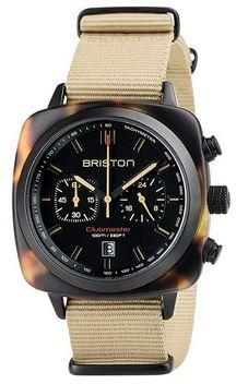 chronographe safari de la marque Briston avec un cadran noir et un bracelet beige couleur desert Clubmaster Sport Acetate