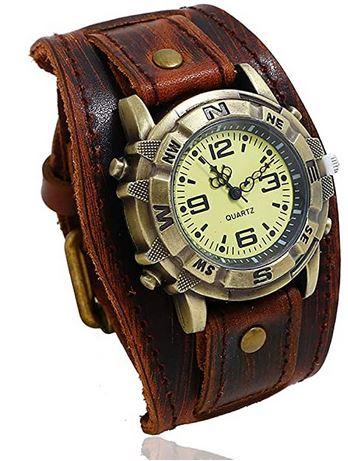 grosse montre Steampunk pour homme avec un large bracelet en cuir marron et un cadran vintage facon vieille horloge