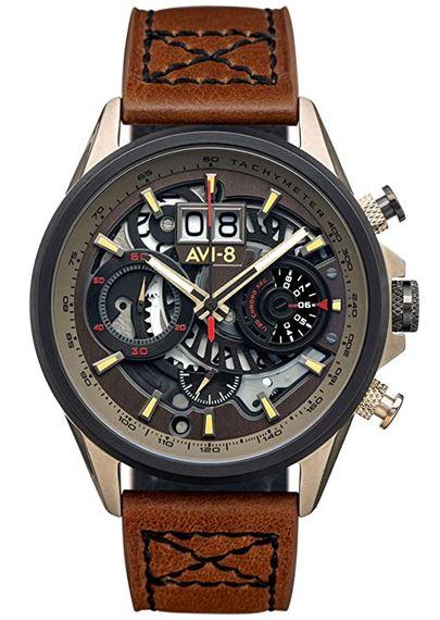 magnifique montre semi squelette Avi 8 pour homme avec bracelet en cuir marron boitier en acier inoxydable dore et mecanisme transparent au niveau du cadran