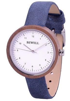 montre Bewell en bois pour femme avec un bracelet fait de cuir bleu un cadran blanc et le contour du boitier en bois sombre