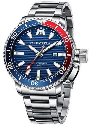 montre pour homme de la marque Megalith avec un cadran bleu et rouge et un bracelet en acier couleur argent