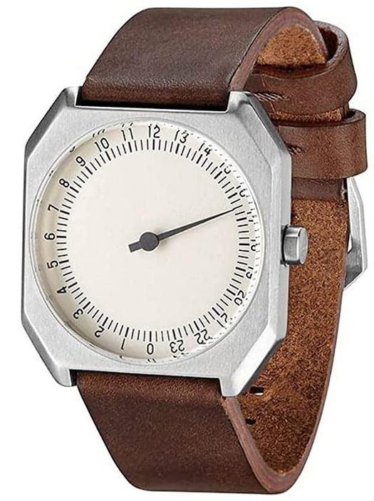 montre analogique mono aiguille pour homme de la marque Slow modele Jo 17 vintage avec un boitier carre en acier et un bracelet en cuir lisse marron fonce