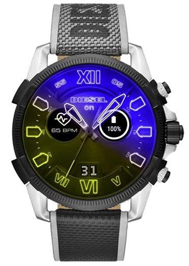 montre connectee Diesel On pour homme avec un bracelet gris tisse et un boitier en acier inoxydable