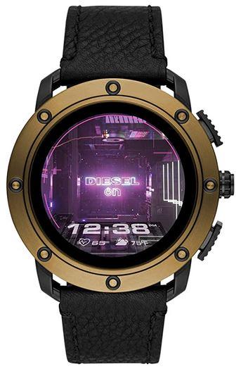 montre connectee Diesel pour homme avec un bracelet en cuir noir et un boitier en acier dore